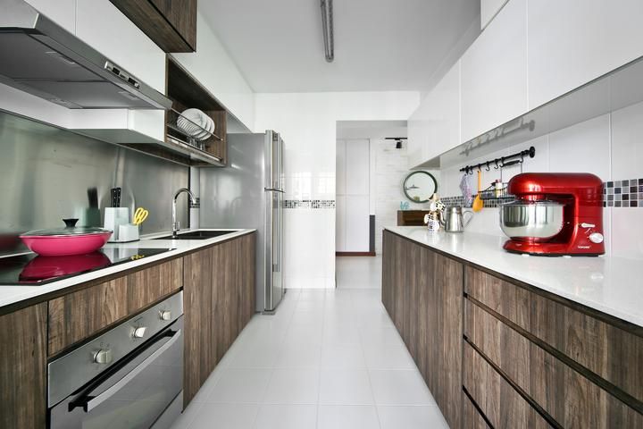 Top 10 HDB Homes That Look Bigger Than They Really Are  : Versaform Kitchen from scene.sg size 720 x 480 jpeg 46kB
