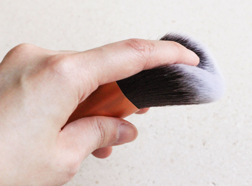 Real-Techniques-Makeup-Brush-3