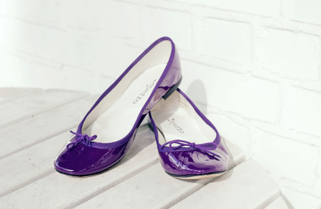 Jessica-Blue-Yellow-Outfit-Purple-Repetto-Flats