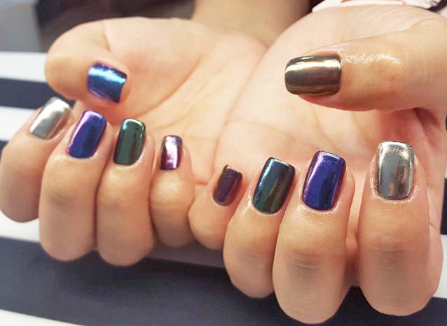 chrome-nails-the-nail-artelier