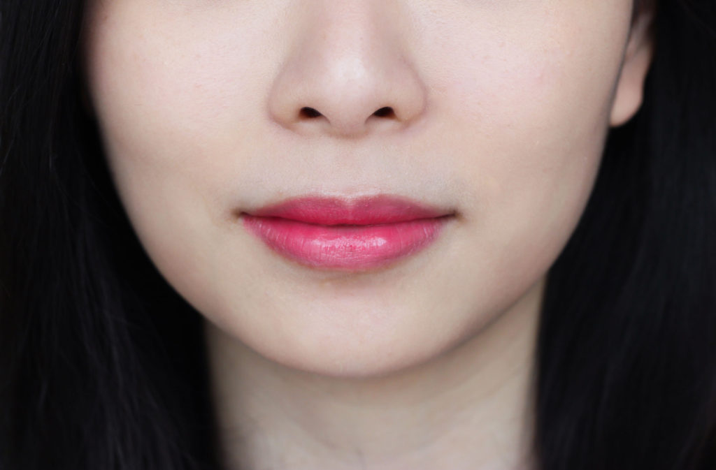 maybelline-color-sensation-lip-flush-bitten-lip-on-lips