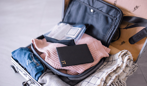 fashion-faqs-how-to-pack-like-a-pro-featured
