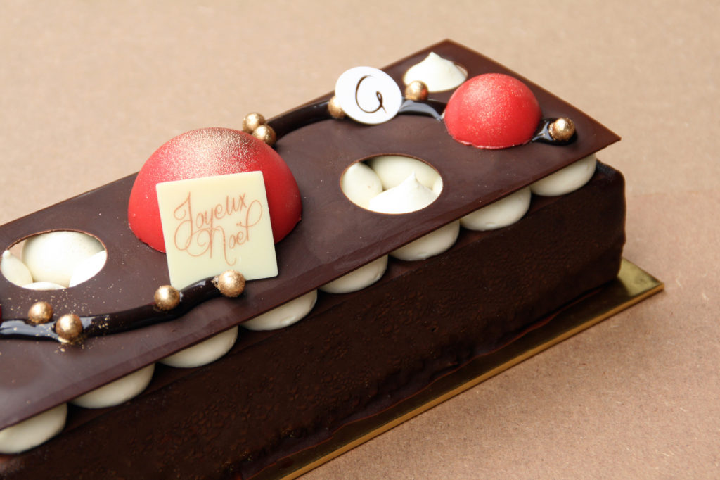 patisserie-g-christmas-log-cake